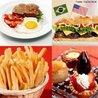 """São alimentos preparados e servidos em um pequeno intervalo de tempo (""""comida rápida""""). Estes tipos de alimentos apresentam uma composição exagerada em sal, gordura e calorias que, se ingeridos em grandes quantidades e associados a uma vida sedentária, podem desenvolver a obesidade. <br/><br/> Palavras-chave: obesidade, calorias, excesso, gorduras, patologias."""